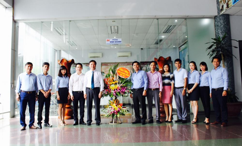 Lãnh đạo tỉnh thăm và chúc mừng ngày Doanh nhân Việt Nam